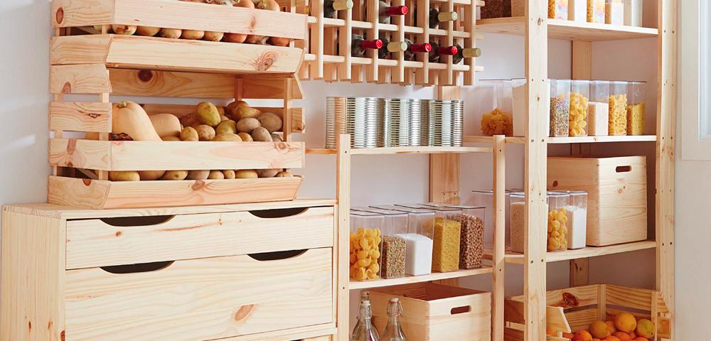 estaneterias y baldas con palets