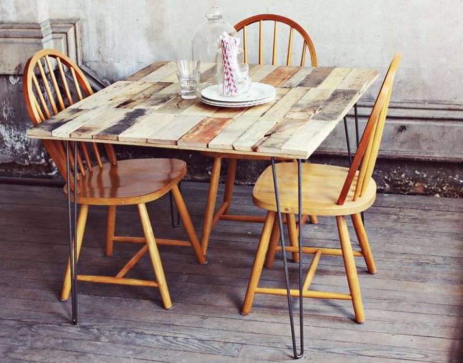 mesa para comer con palets